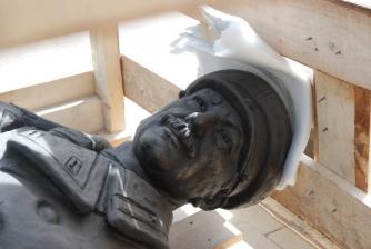 Памятник первостроителям. Установка. _1
