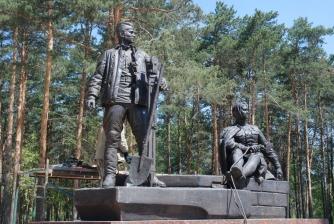 Памятник первостроителям. Установка. _6